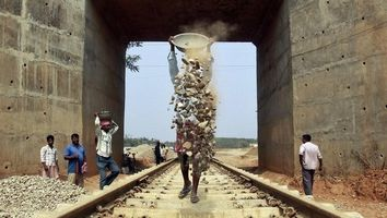 Minimum wagess for railway labourers revised